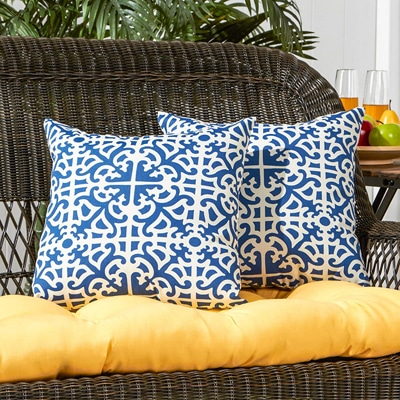 1. Greendale Home Fashions Throw Pillows